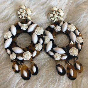 Boutique Dangle Leopard earrings